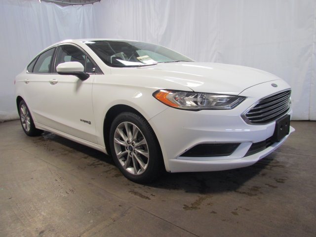 Pre Owned 2017 Ford Fusion Hybrid Se